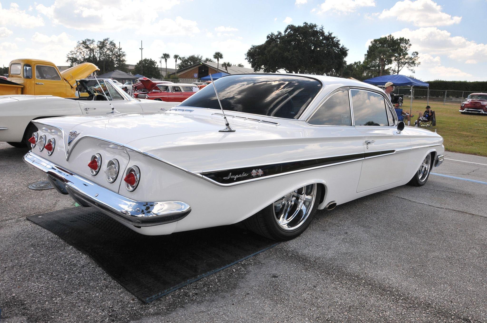1961 Chevrolet Impala Hardtop-02 wallpaper