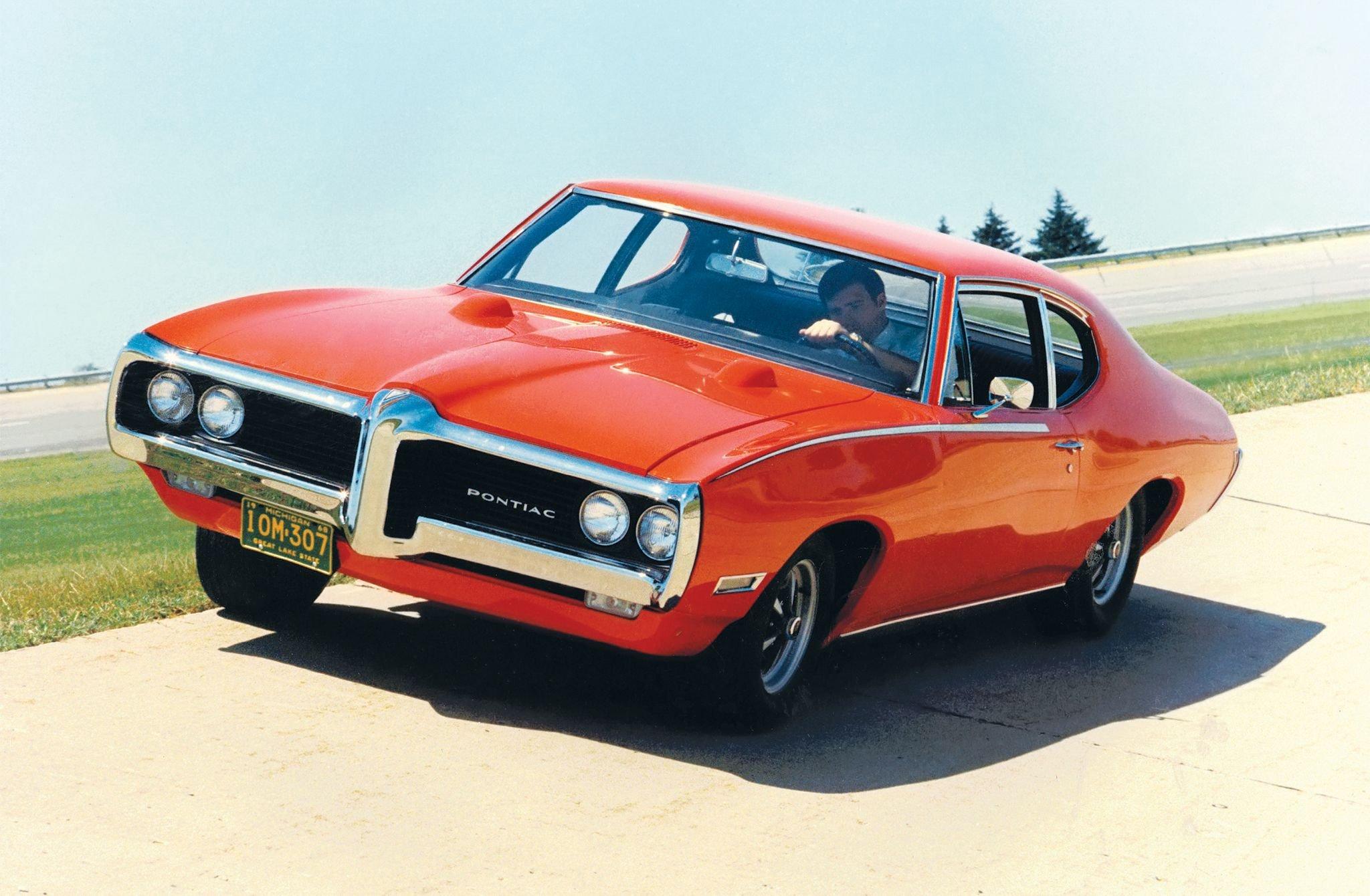 1968 Pontiac Grand Prix-01 wallpaper