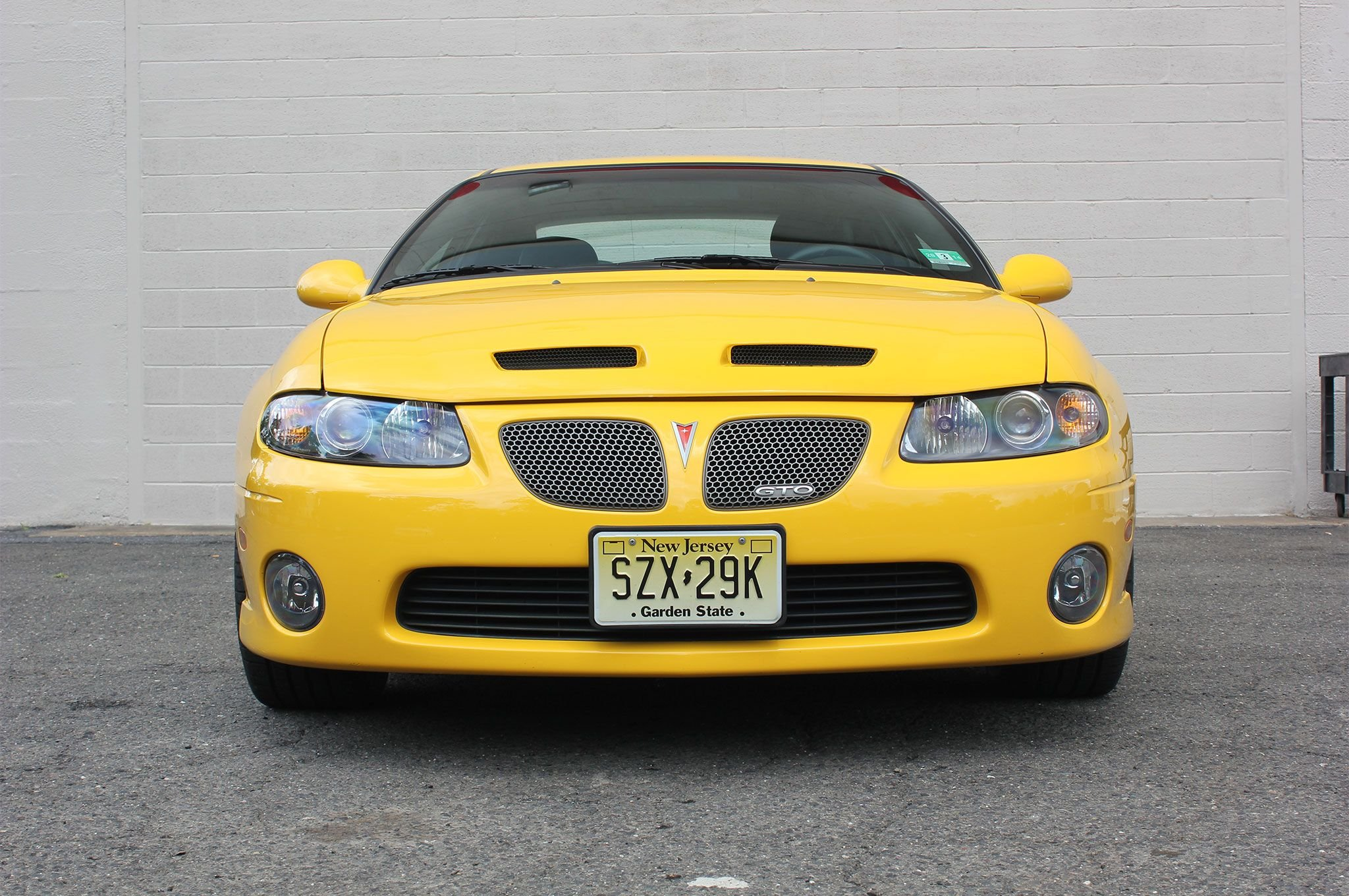 2004 Pontiac GTO-01 wallpaper