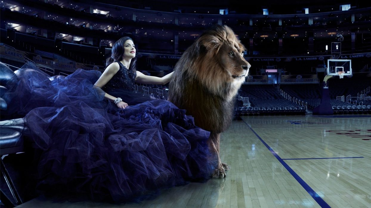 beauty and beast woman and lion arena wallpaper