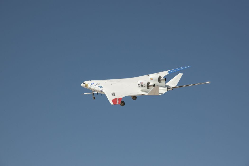 BOEING X-48 nasa spaceship airliner aircraft remote military jet concept drone wallpaper