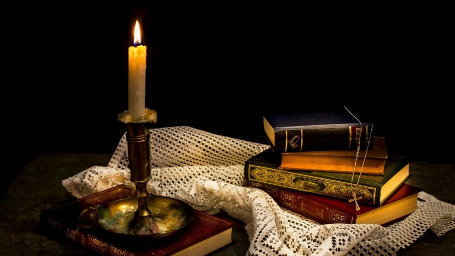 CANDLE OLD BOOKS wallpaper