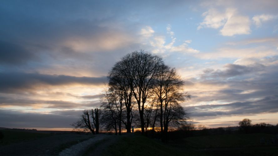 Avebury Wiltshire at Sunset in February wallpaper
