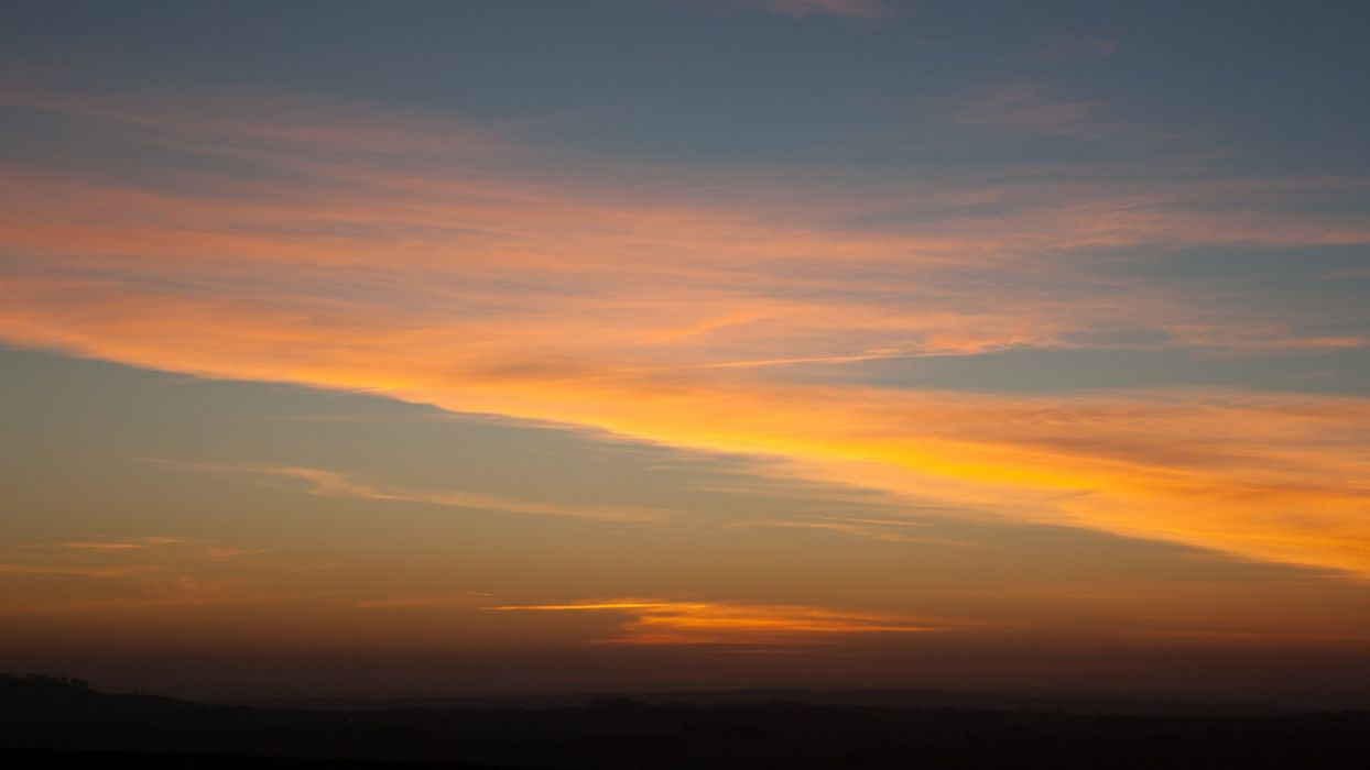 Hackpen Hill Wiltshire Sunset in February wallpaper
