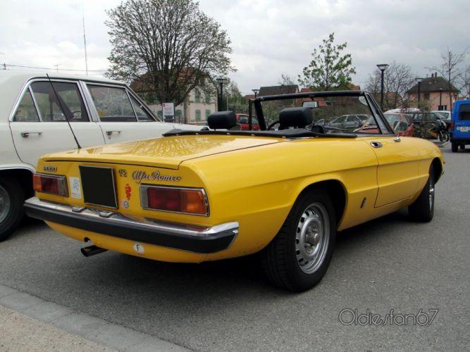 alfa romeo spider classic cars convertible jaune yellow wallpaper