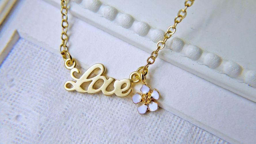 Necklace golden love flower woman romance life wallpaper