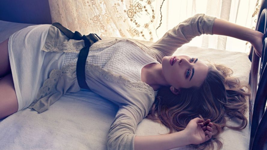 SENSULAITY - Scarlett Johansson Lying Bed girl blonde wallpaper