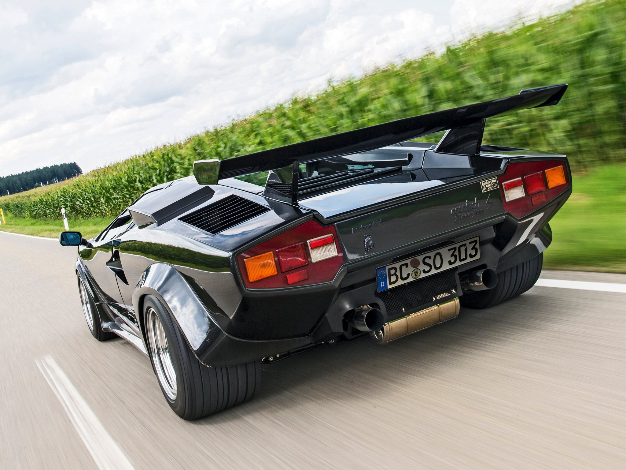 1984 Lamborghini Countach Lp500 Turbo S Supercar Wallpaper