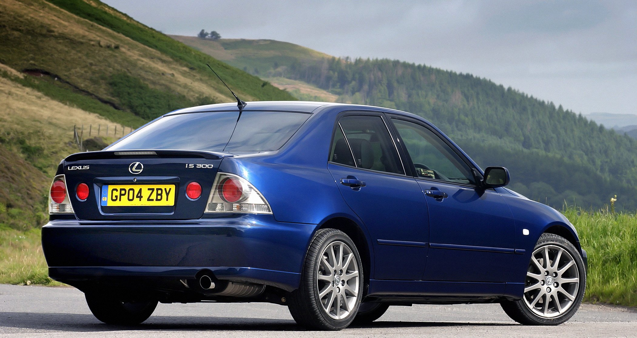 2005 Lexus I S 300 UK Spec XE10 Wallpaper | 2100x1116 | 618899 | WallpaperUP
