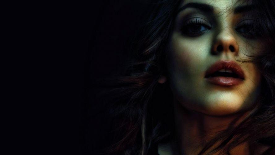 sensual beauty actress Mila Kunis wallpaper