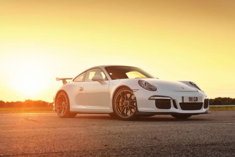 2014 Porsche 911 GT3 UK-spec 991 wallpaper