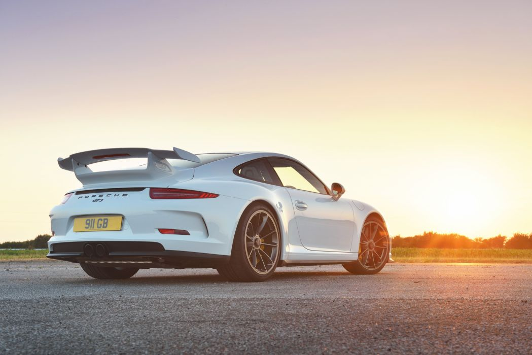 2014 Porsche 911 GT3 UK-spec 991 wallpaper