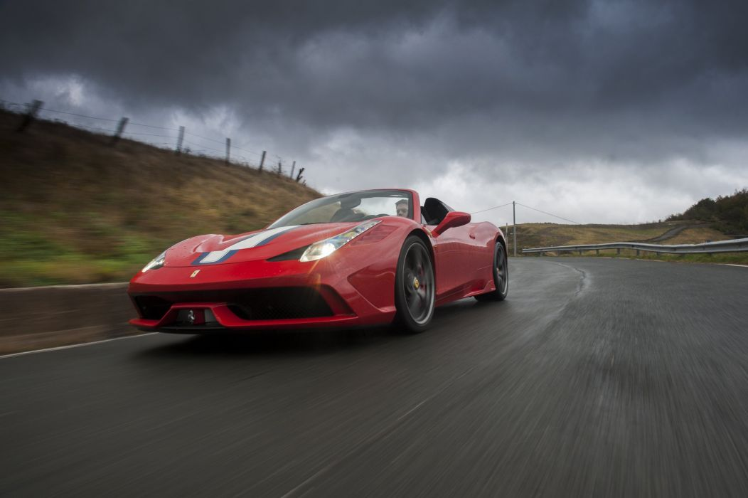 2015 Ferrari 458 Speciale A supercar wallpaper