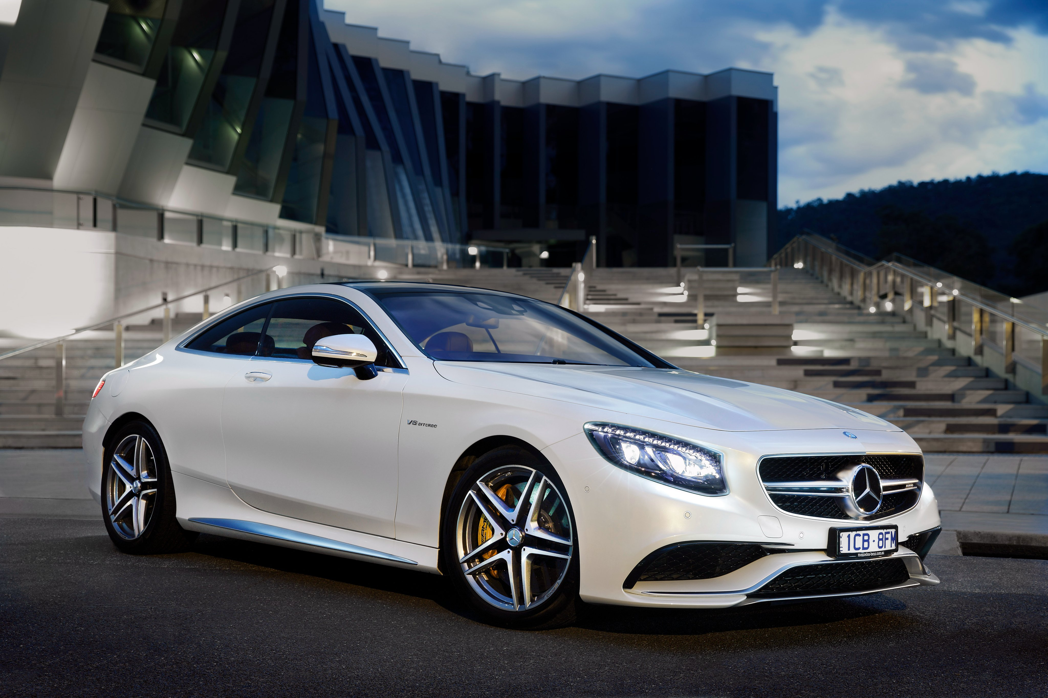 Mercedes s63 amg autos post for Mercedes benz tracksuit