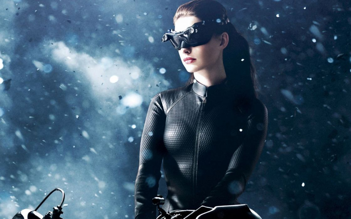 Sensuality Anne Hathaway Brunette Girl Movie Catwoman Actress