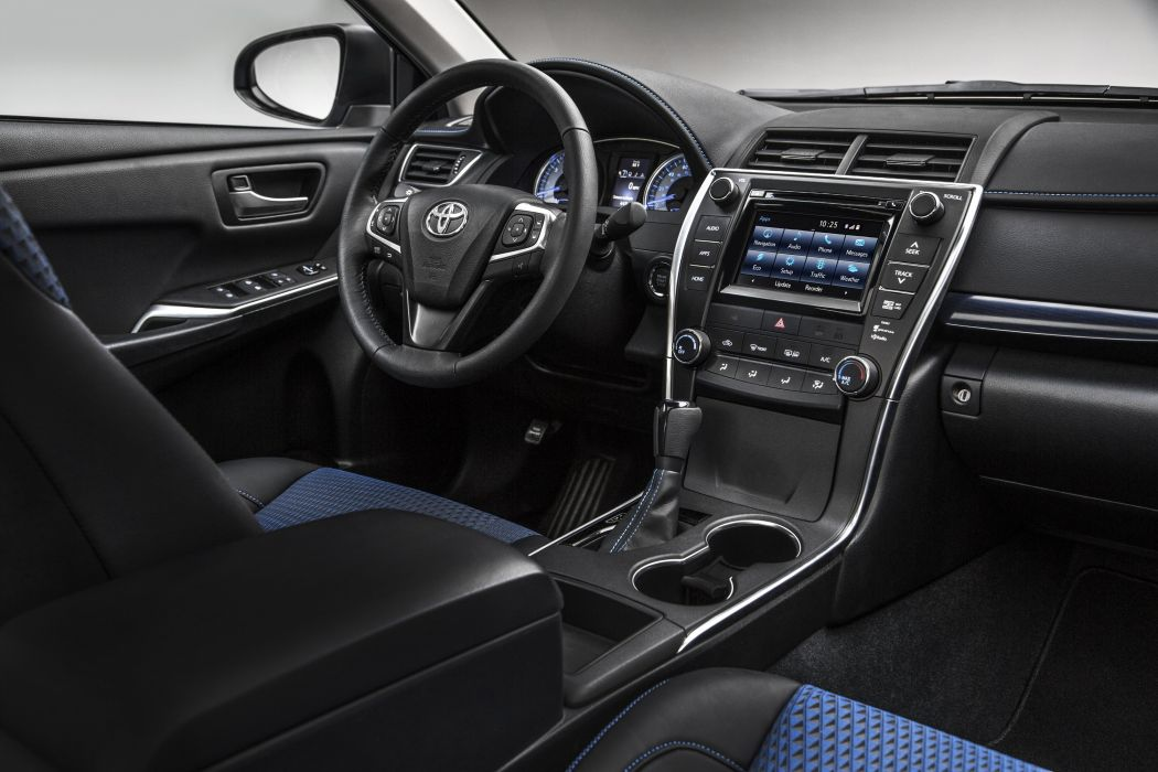 2015 Toyota Camry Special-Edition s-e wallpaper