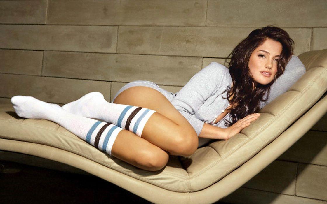 SENSUALITY - minka kelly celebrity girl bunette lying wallpaper