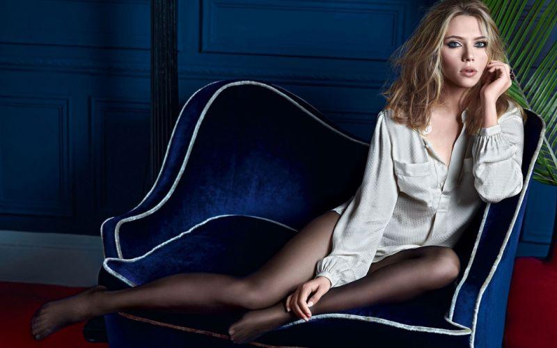 SENSUALITY - scarlett johansson actress girl blonde pose legs wallpaper