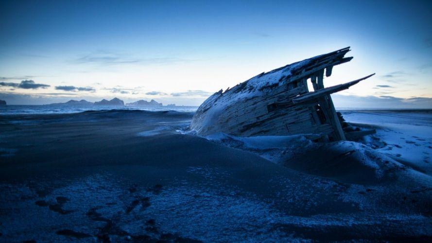 boat shipwreck landscape beach sea ocean wallpaper