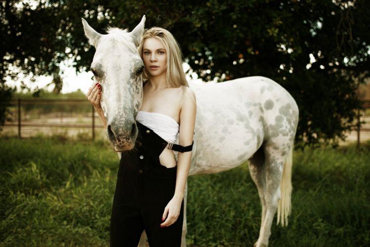 Horses Closeup Blonde girl Glance Girls Animals horse blonde babe mood s wallpaper
