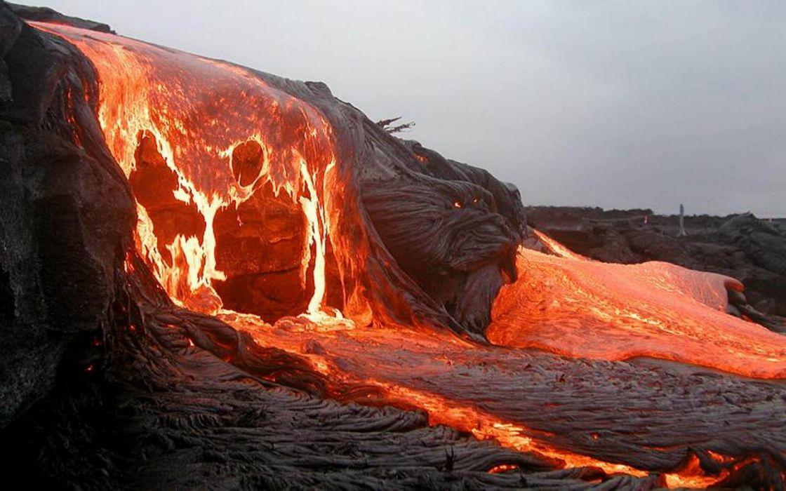 volcan-lava-montaA wallpaper