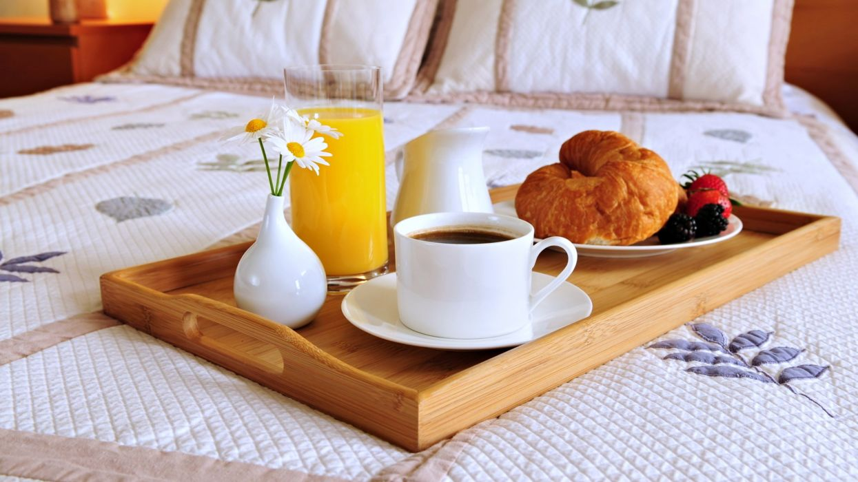 Breakfast Meal Coffee Flowers Juice Bed Romantice Lovely Relax Morning Couple Wallpaper