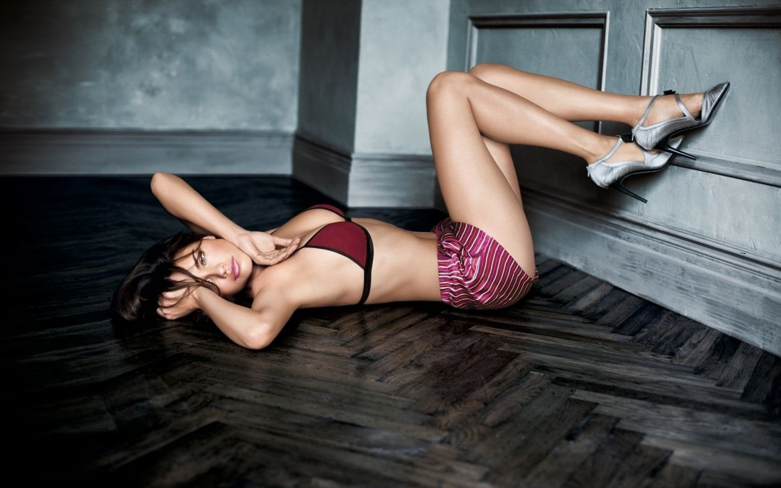 SENSUALITY - Adriana Lima chest legs parquet wallpaper