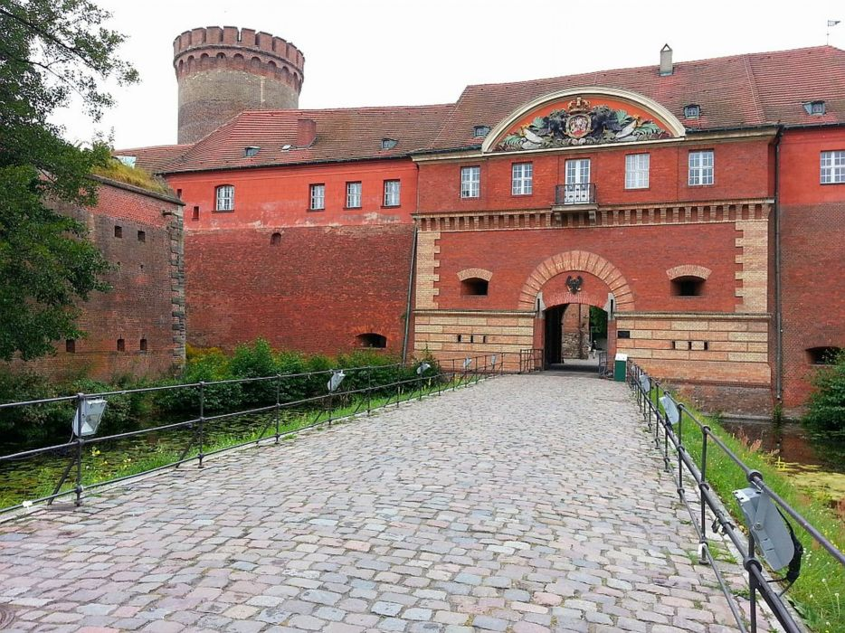 Berlin Spandau Zitadelle castle lake wallpaper