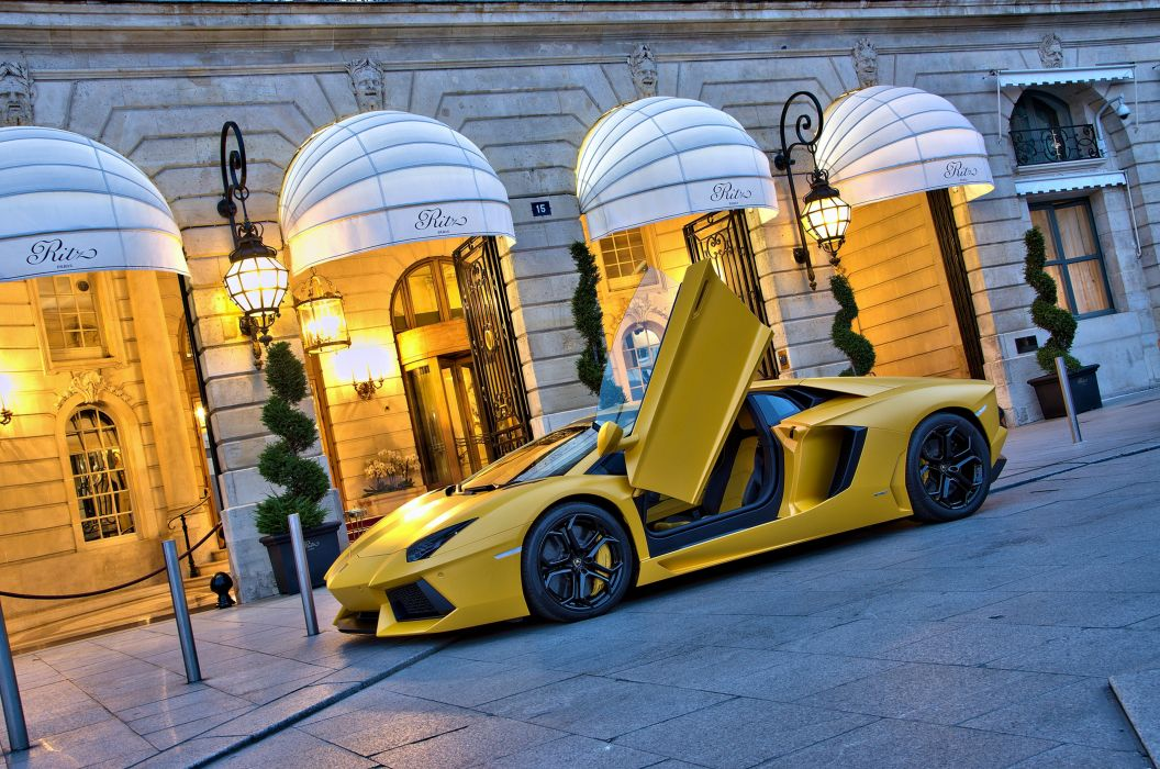 Lamborghini aventador lp700-4 yellow cars speed motors race road wallpaper