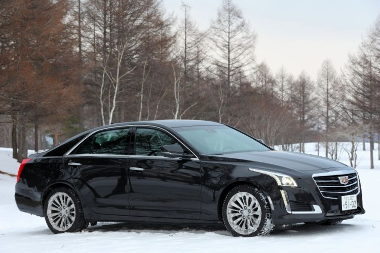 2015 Cadillac CTS JP-spec luxury wallpaper