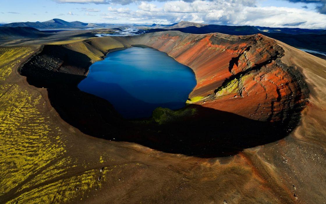 volcan-lago-montaA wallpaper