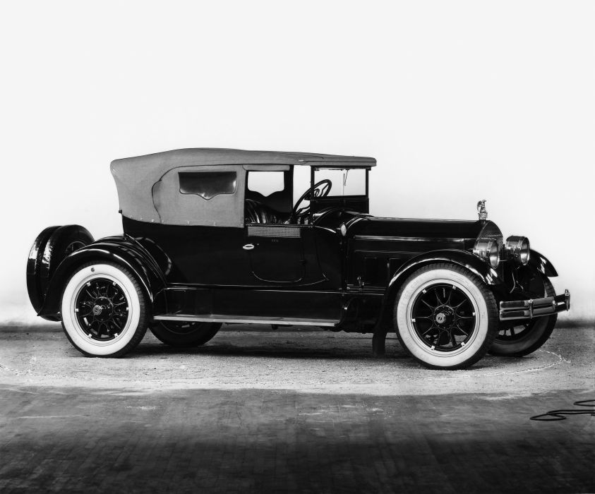 1916 Packard Twin Six Cloverleaf Runabout 1-25 retro luxury wallpaper
