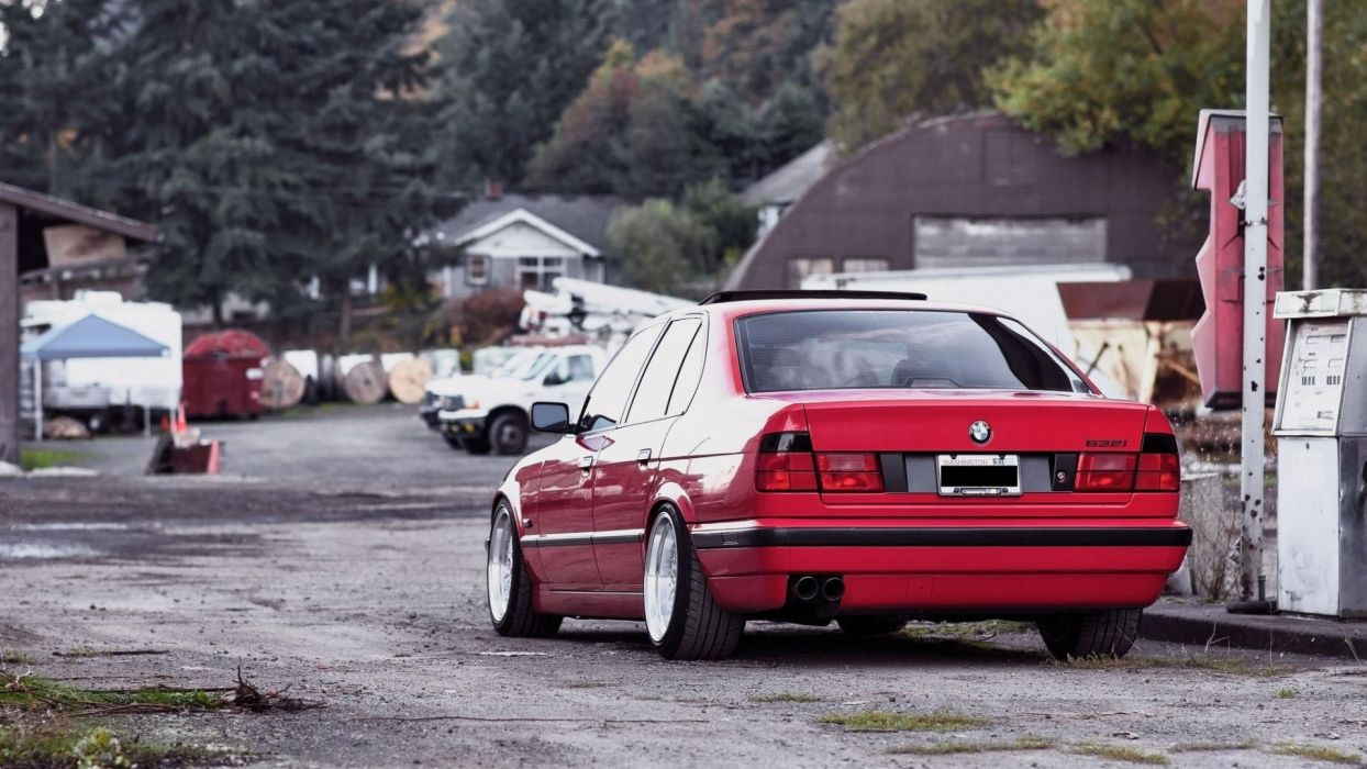 BMW E34 532i wallpaper