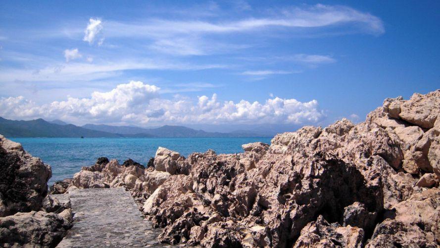 haiti-playas-rocas-camino-nubes-paisajes wallpaper