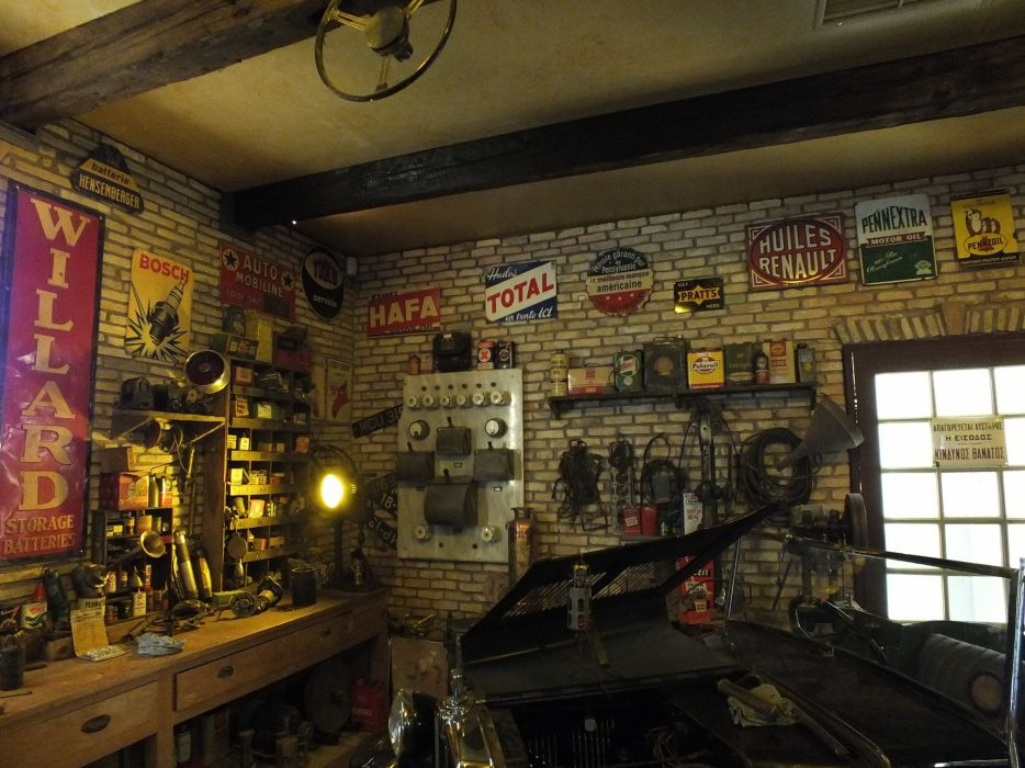 oldtimer car workshop retro wallpaper