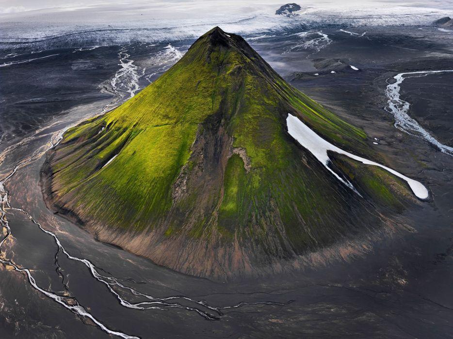 volcan-montaA wallpaper