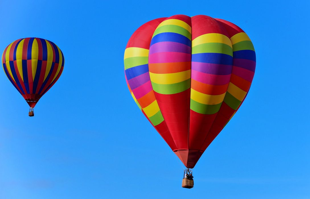 balloons Zeppelin sports fun blue sky colors fly wallpaper