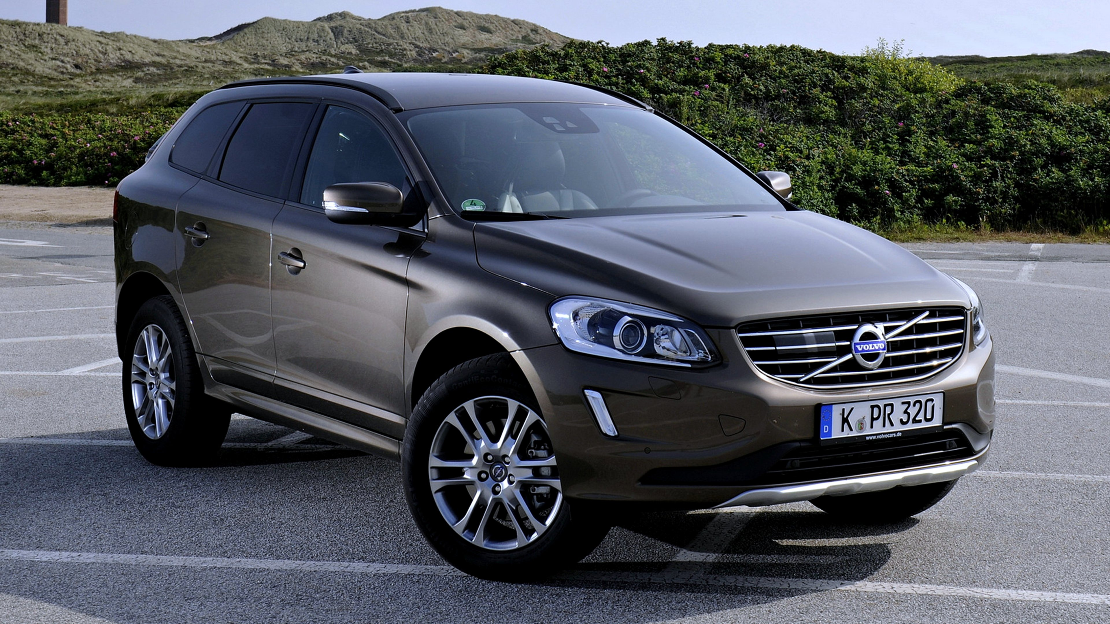 2013 volvo xc60 d4 4x4 speed cars motors force road landscape wallpaper 3840x2160 629056. Black Bedroom Furniture Sets. Home Design Ideas