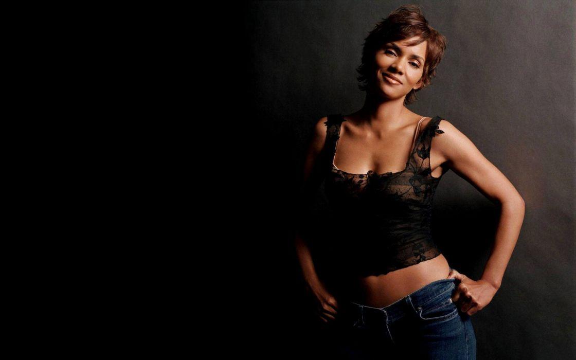 halle berry-mujer-actriz-morena-celebridad-americana wallpaper