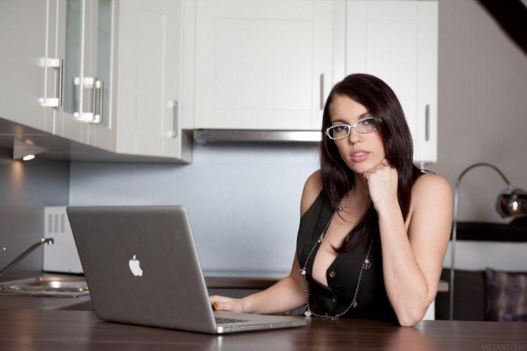 sexy woman computer apple girl black wallpaper
