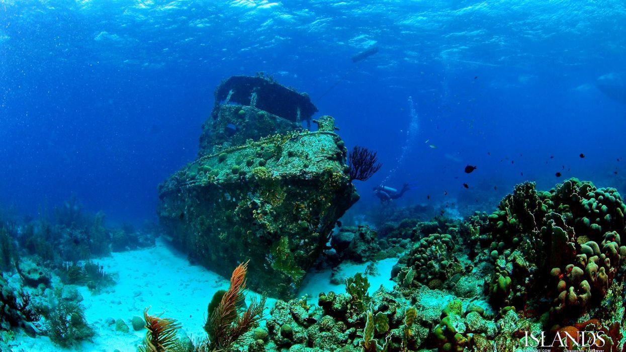 Depth sunken ship boat old sea deep