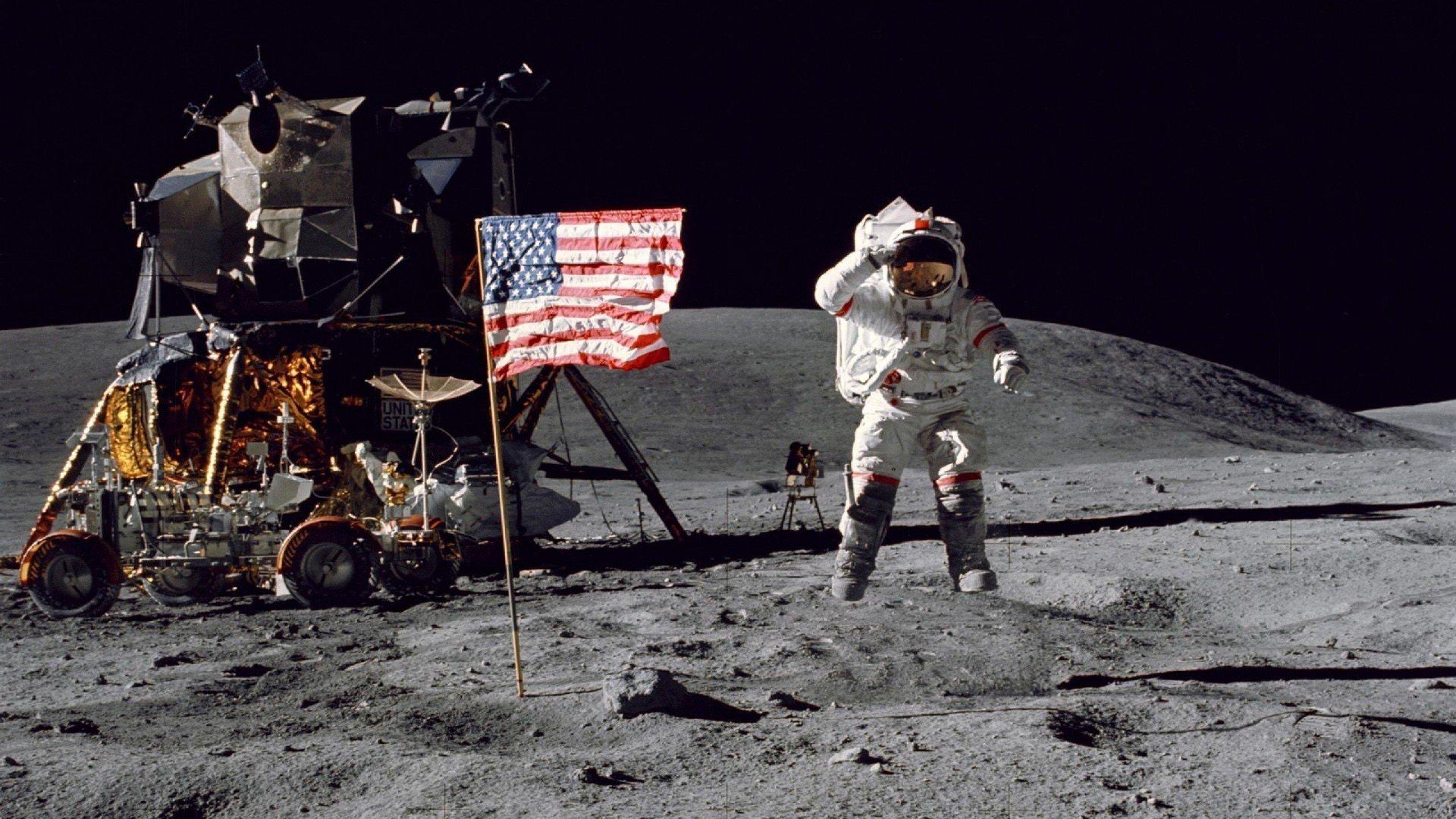 astronaut on moon wallpaper - photo #20