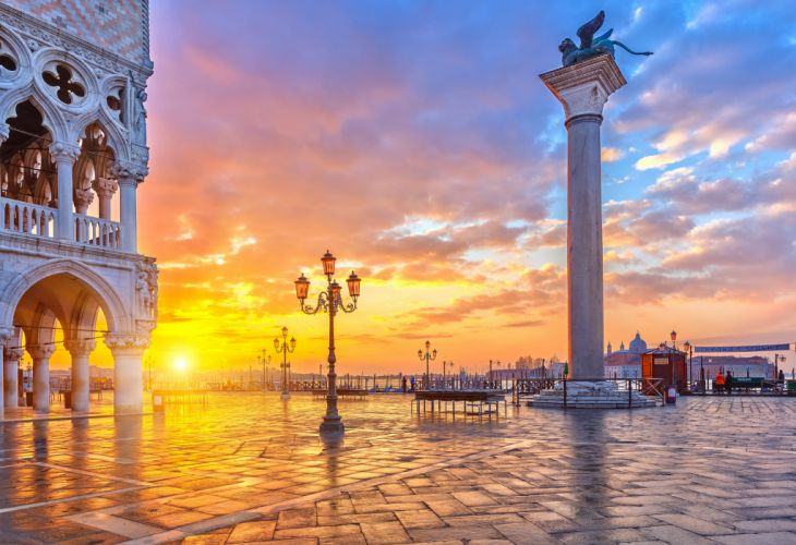 Venice Italy Piazza San Marco Canal Grande area house column winged lion lion wings lights church sky clouds evening sunset city lights wallpaper