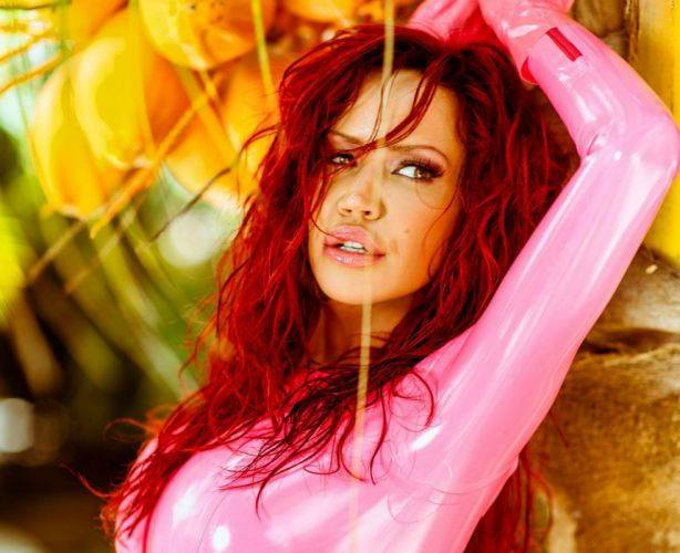 BIANCA BEAUCHAMP fetish latex sexy babe redhead glamour adult model erotic wallpaper