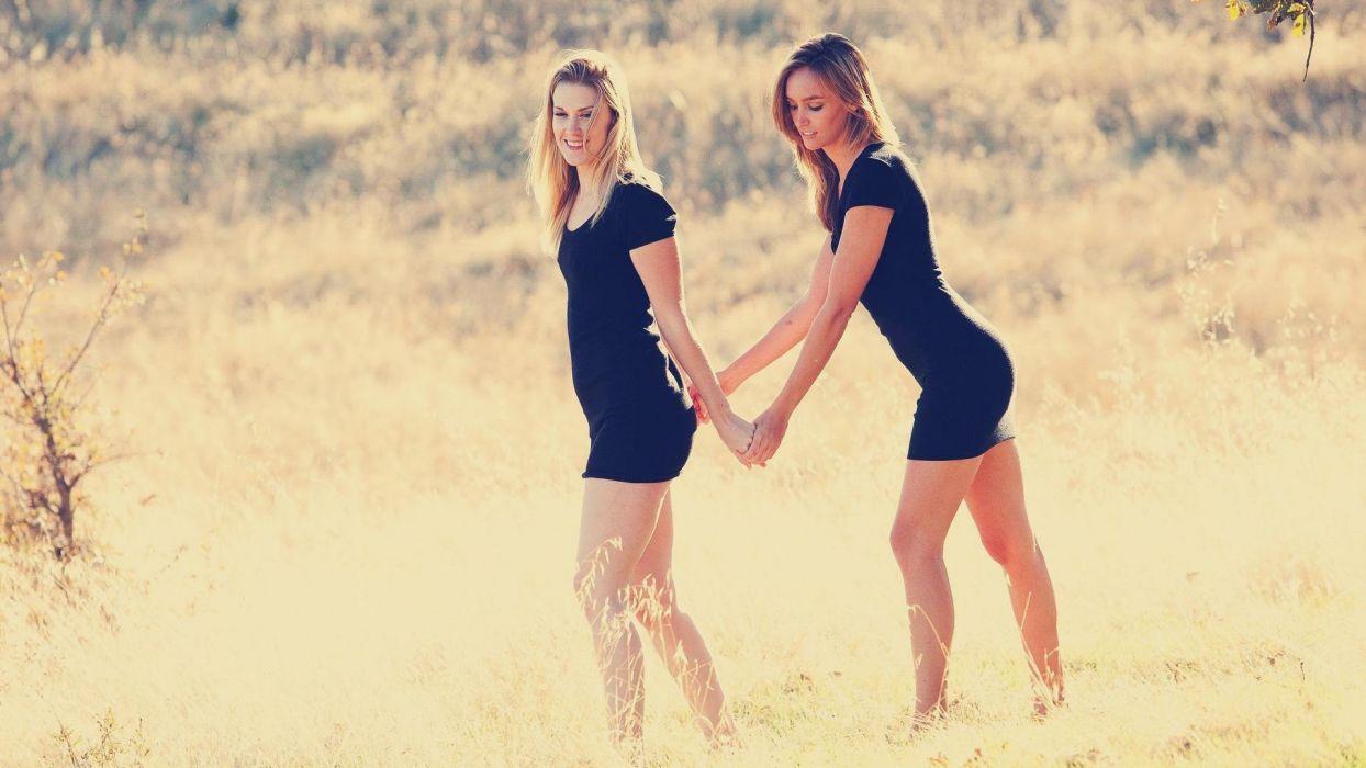 Sensuality Alexandra Daddario Black Dress Girl Friends