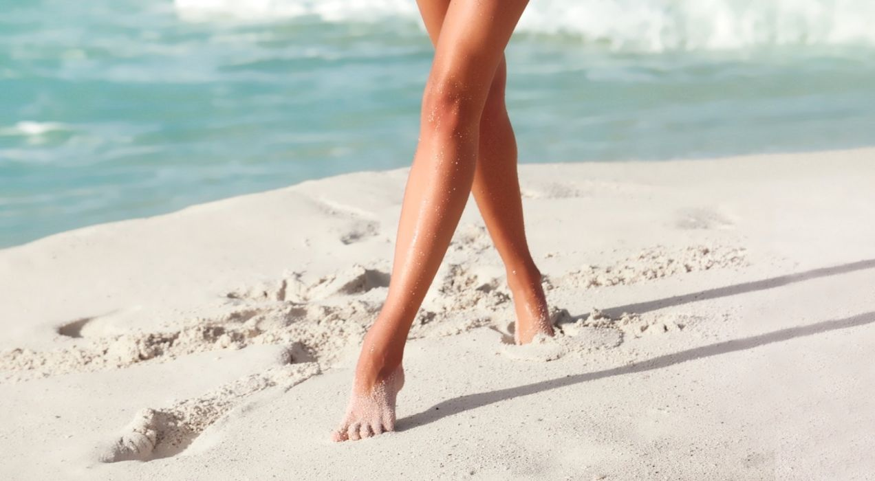 SENSUALITY - girl legs foot sand beach sea wallpaper