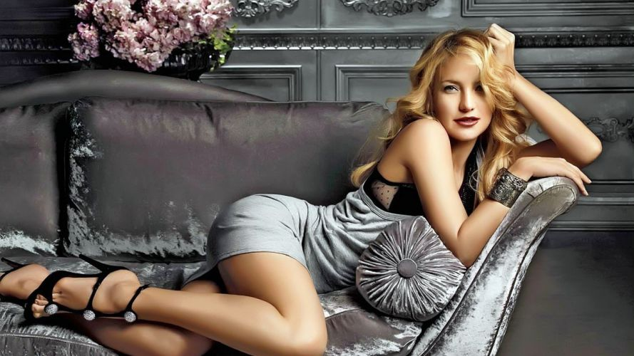 SENSUALITY - Kate Hudson celebrity girl blonde couch legs wallpaper