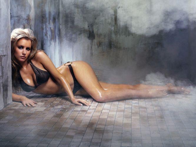 SENSUALITY - Tiffany Mulheron girl blonde bikini sweat smoke sauna heat wallpaper