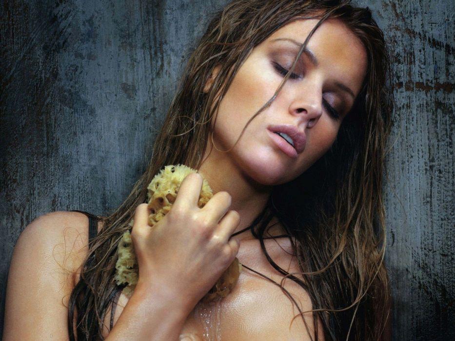 SENSUALITY - Tiffany Mulheron girl blonde sweat smoke sauna heat sponge wallpaper