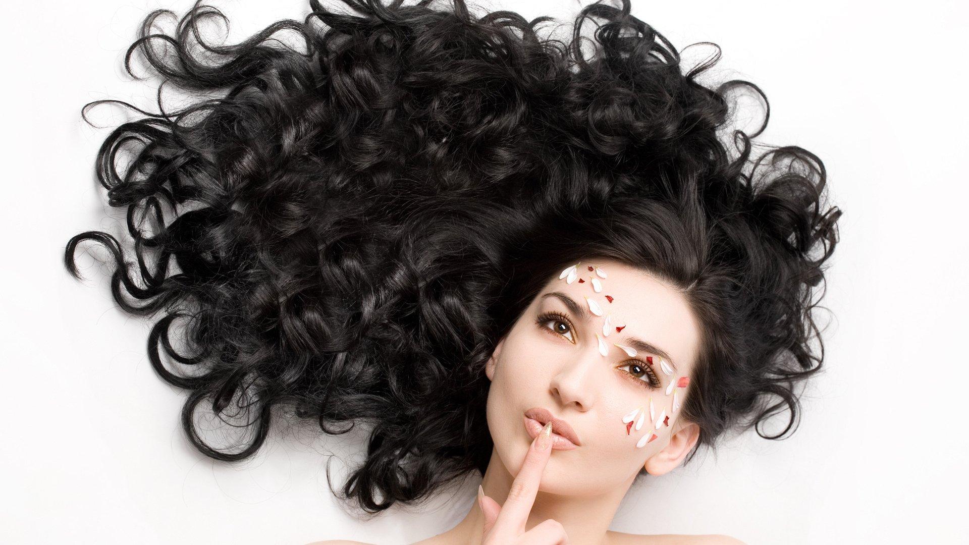 Curly Hair Style Girl Face Petals Black Hair Brown Eyes Beautiful Wallpaper 1920x1080 639126 Wallpaperup